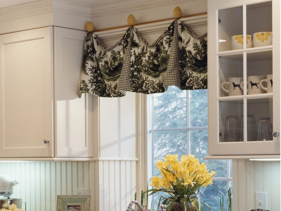 Window Valances for Extra Decoration at Home