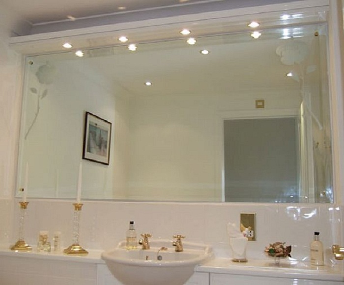 bathroom wall mirrors importance of decorative bathroom mirrors : mosaic bathroom decorative wall mirrors UYYLBGQ & Types Of Bathroom Mirrors \u2013 goodworksfurniture
