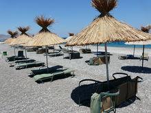 beach furniture and umbrellas RDHGYPC