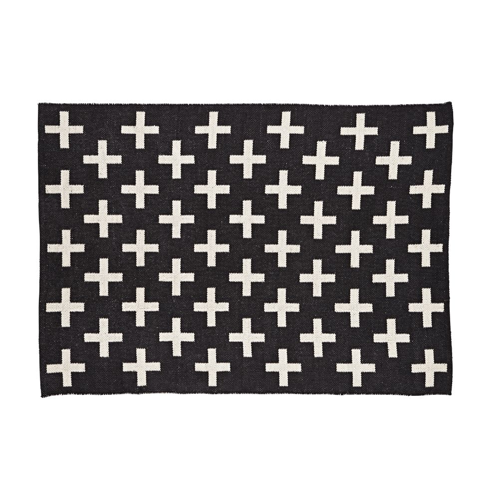 black and white rug indoor + outdoor rug (black) | the land of nod YUANMCE