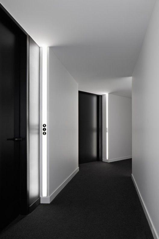 black carpet luna apartments / elenberg fraser GPVHSLY