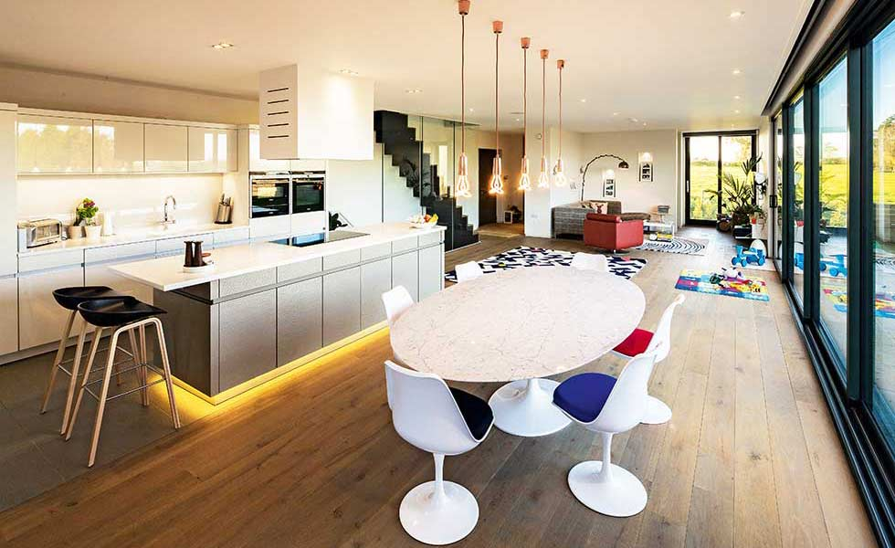 contemporary open plan kitchen in a self build DAVKUJZ