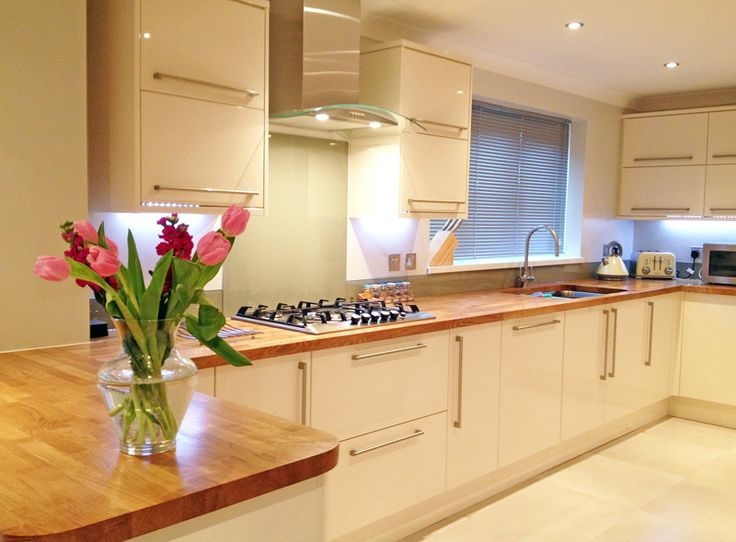 cream kitchens cream gloss kitchen oak worktop - google search IOXOQTS