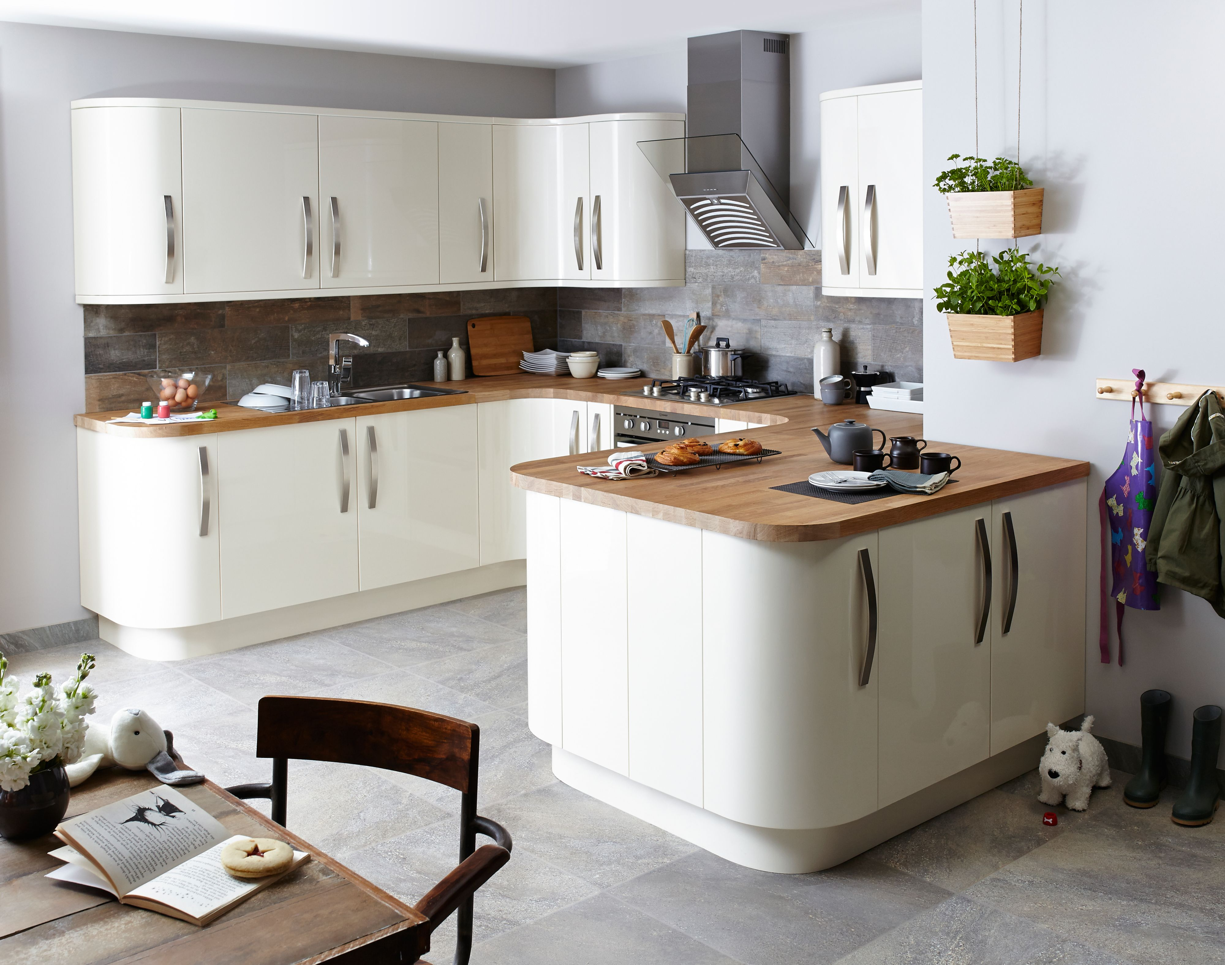 cream kitchens santini gloss cream slab KMRUSKP