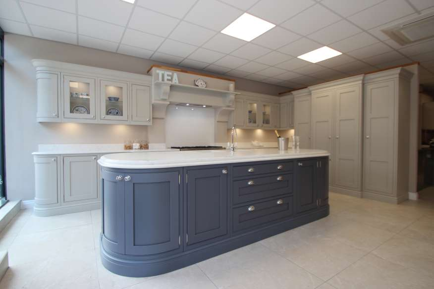 ex display kitchens rrp £45k large burbidge langton painted ex display kitchen less than 1 year ANCUFRB