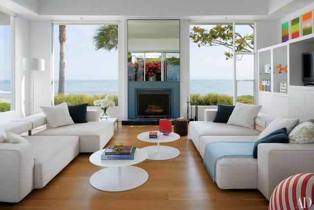 family room in the midcentury beach house south of santa barbara, california, that  designer AGOSRGW