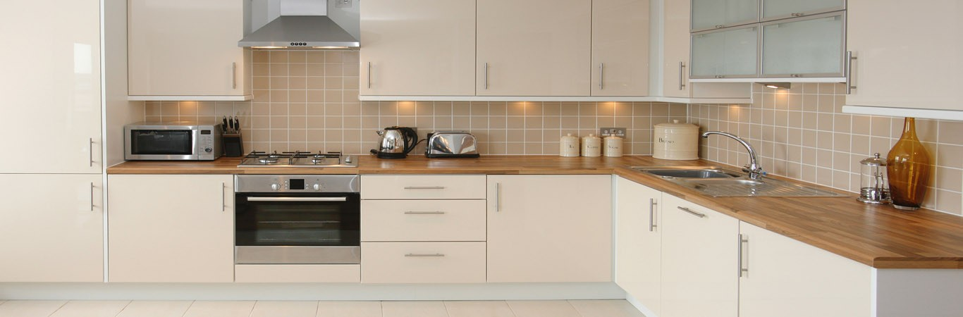 fitted kitchens endearing fitted kitchen capital2 LYDCPSA