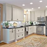 Tie your kitchen with stunning kitchen cabinets