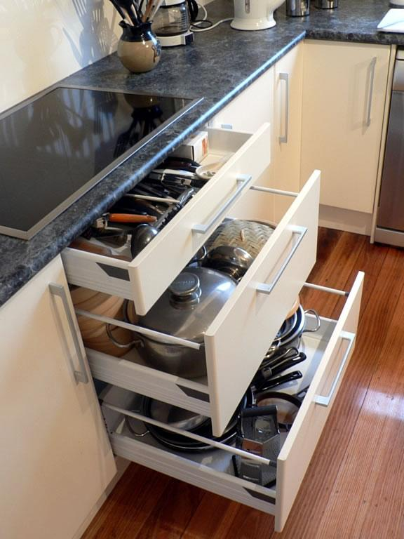 kitchen drawers (c) homeimprovementpages.com.au GHSYOMU