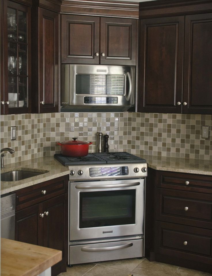 kitchen remodeling ideas corner stove kitchen: the corner stove kitchen is a perfect example of FYHJPDG