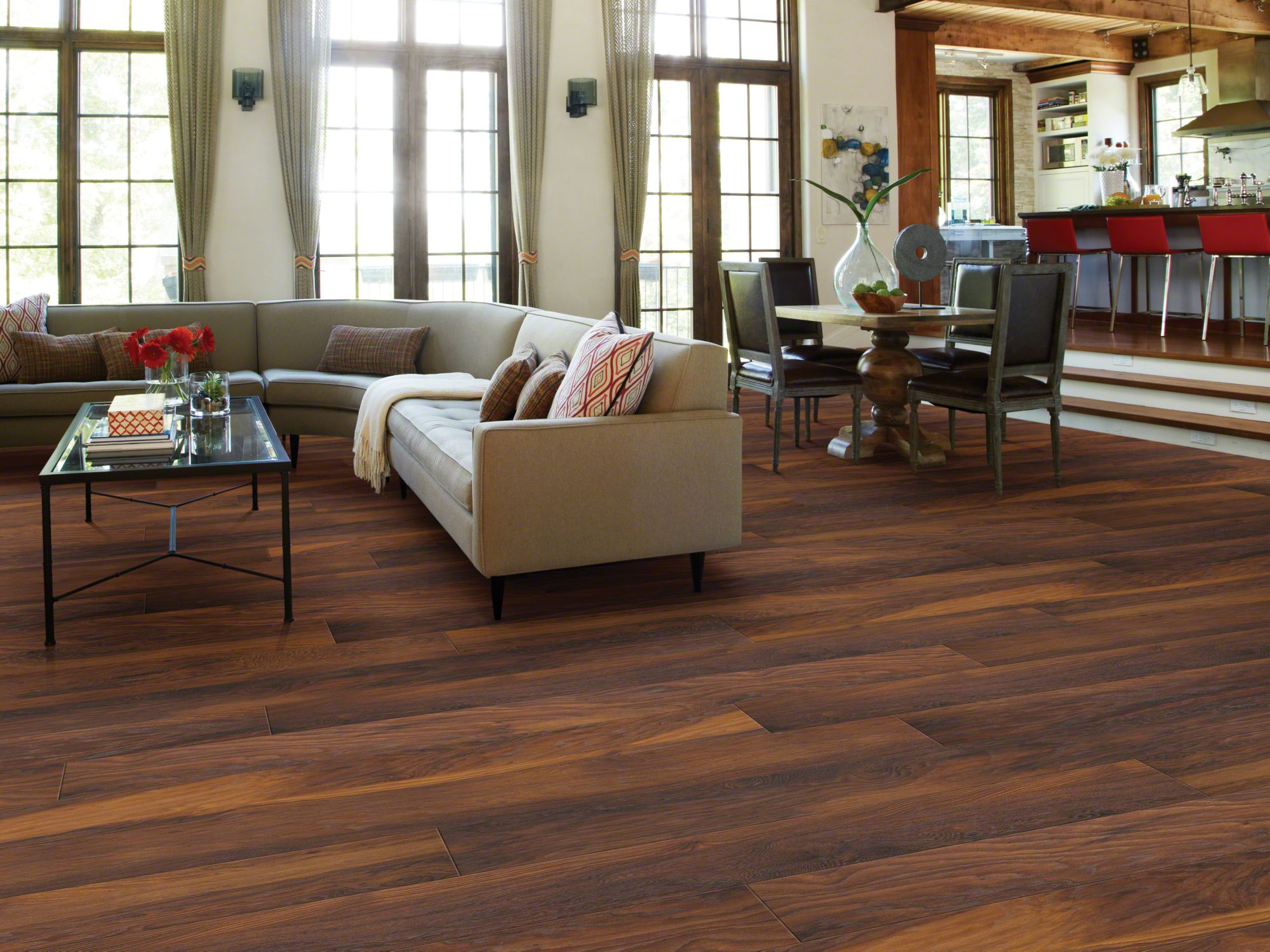 Laminate Wood Flooring for Extra Classiness in Your Home