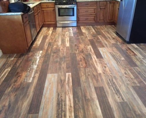 laminate wood flooring in kitchen- light, medium and dark wood | gainey AUIVNNU