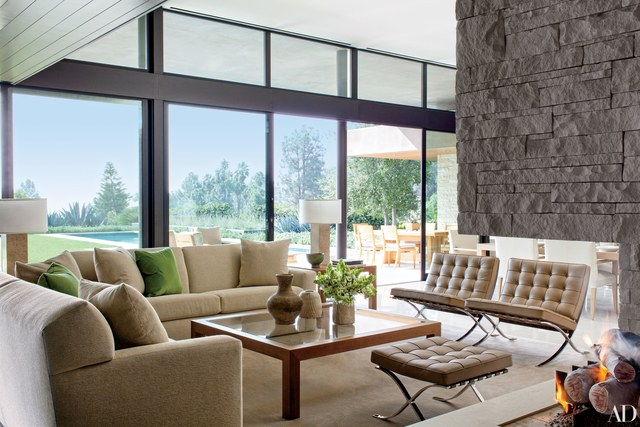 modern interior design in a beverly hills house devised by architecture firm marmol radziner with interior YHMDKIL