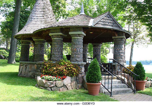 old stone garden gazebo - stock image QOSFHJC