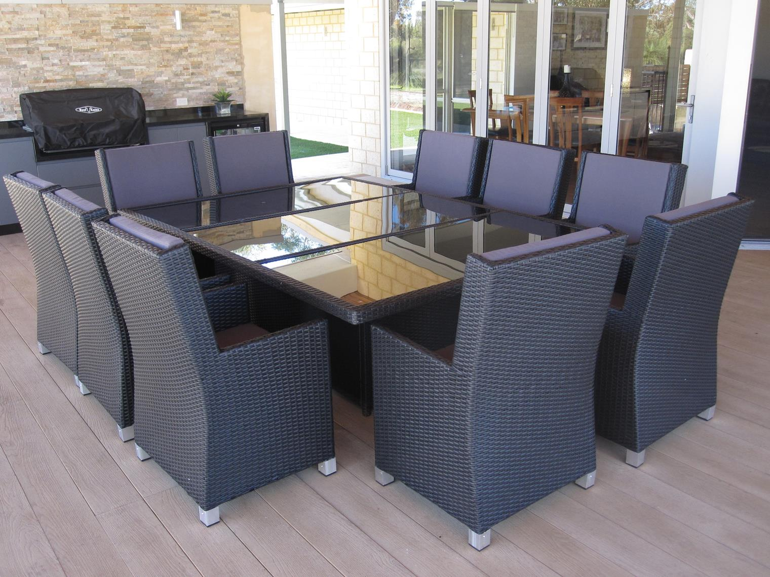 Outdoor table and chairs gumtree brisbane chairs seating for Budget bedroom furniture perth
