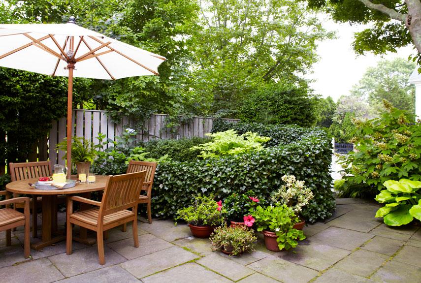 small gardens patio garden DVEHTWS