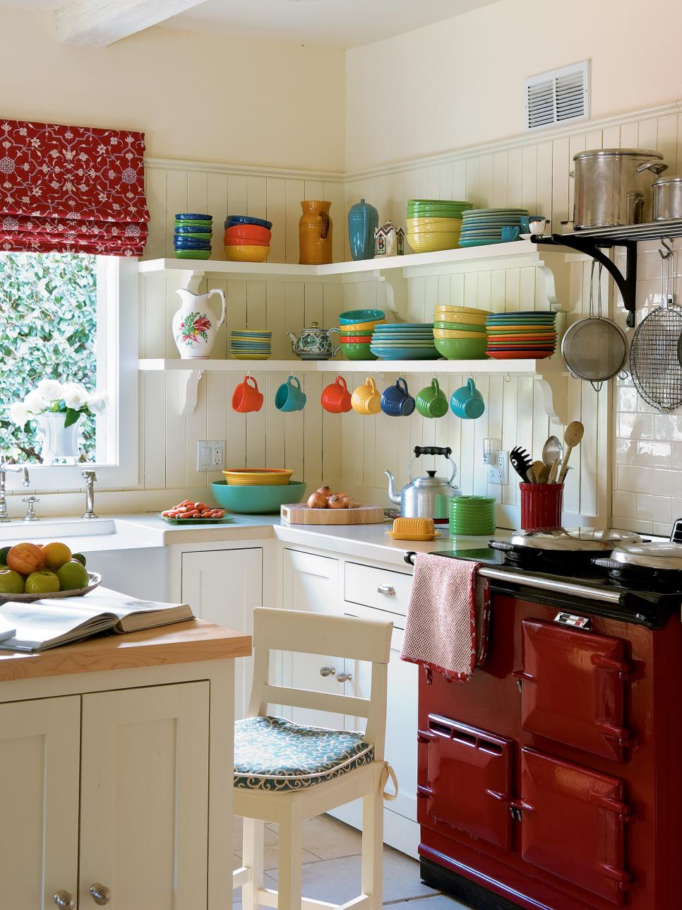 small kitchen designs pictures of small kitchen design ideas from hgtv | hgtv IYJBCSP