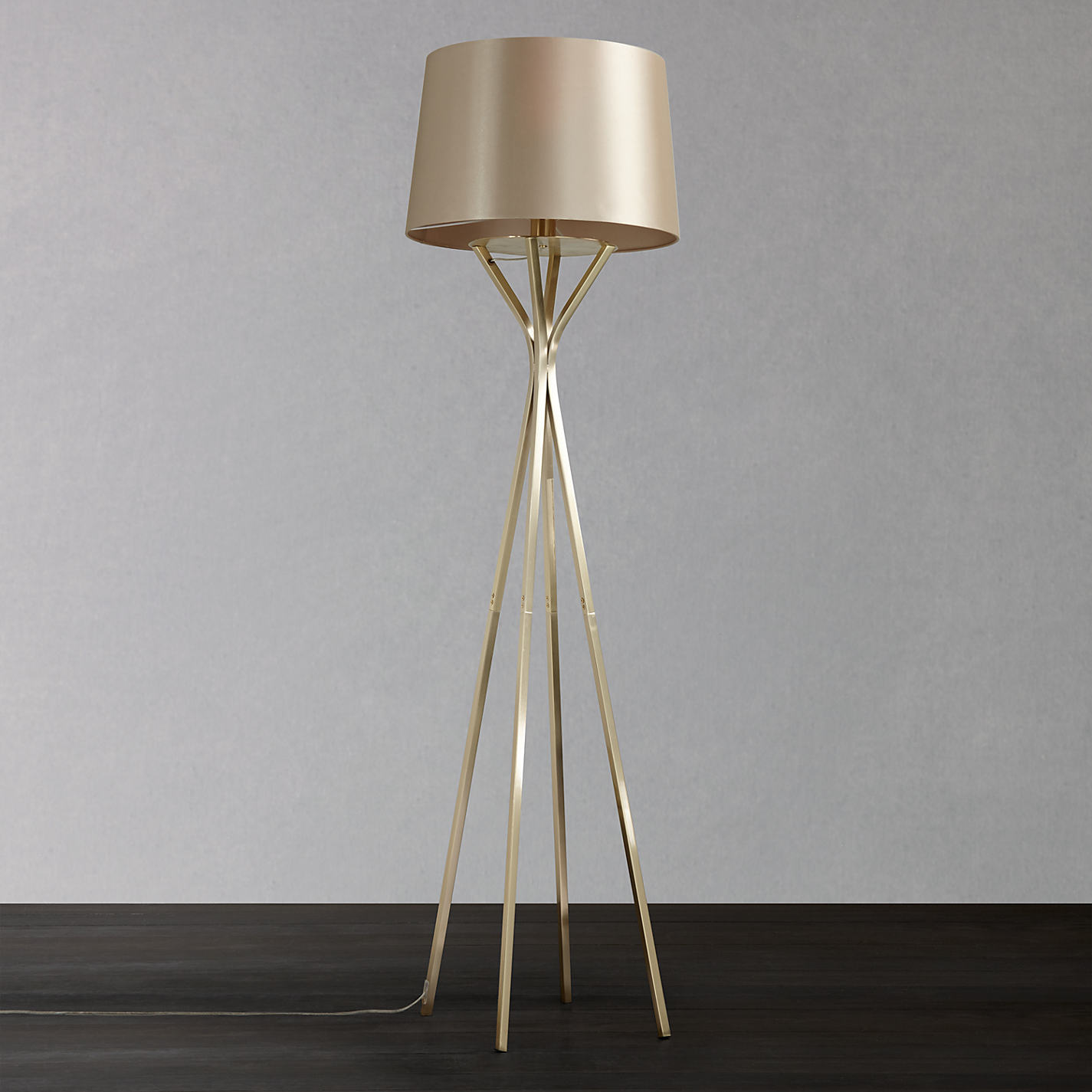 Tips on how to buy standard lamps - goodworksfurniture