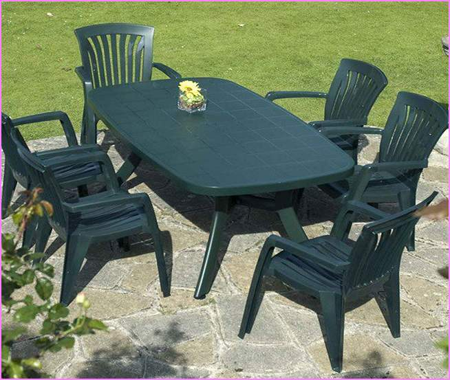using plastic patio furniture GLGULDA