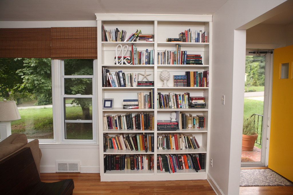 white bookshelves built-in bookshelves IWRYYQF