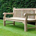 Tips to buy wooden garden benches