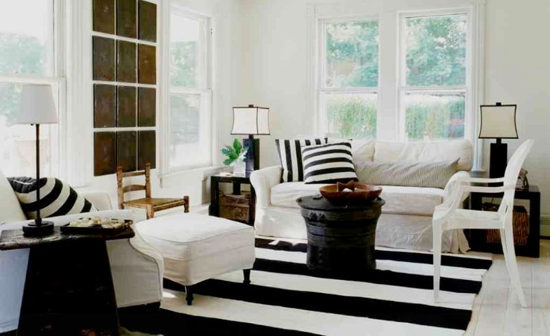 black and white rug decor how to enhance a décor with a black and white striped rug YLZUPFK