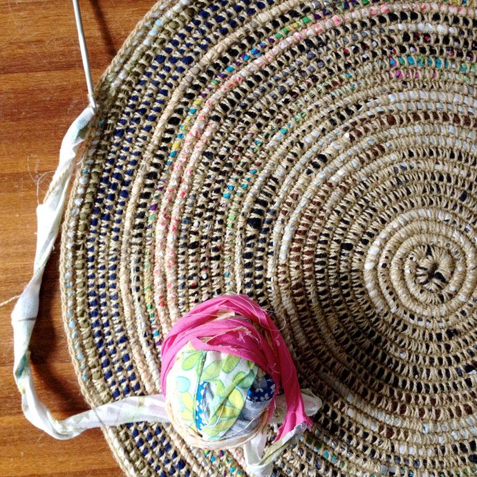 crochet rag rug coil + crochet scrap fabric rug diy | free tutorial from my poppet MIEJOPX