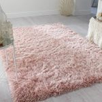 Captivating pink rug