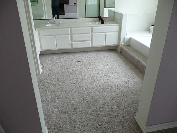 how to lay a bathroom carpet - no glue | ehow ZBWTGGS