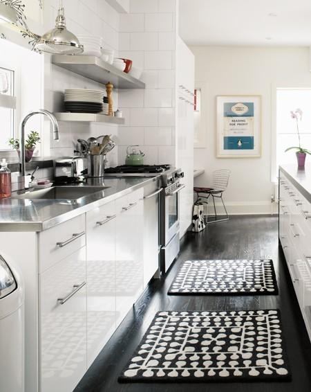 kitchen floors on the kitchen floor: dark vs. light | apartment therapy DHAXITU