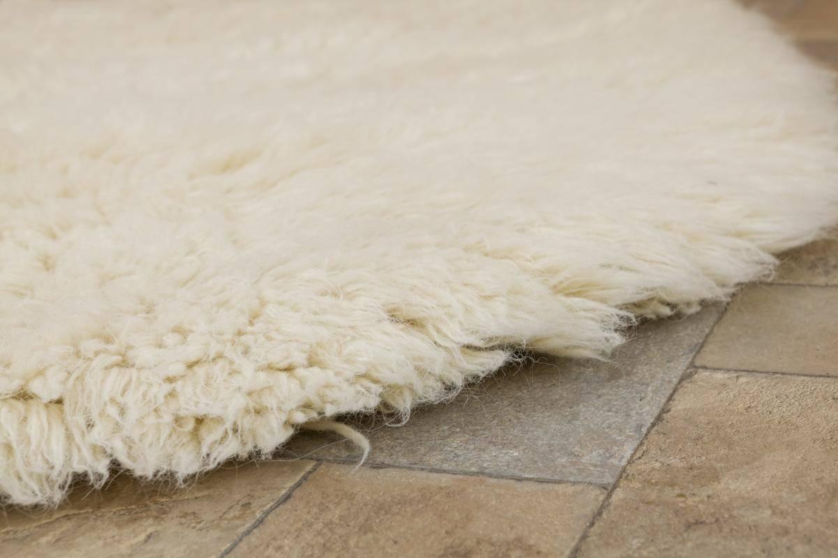 natural flokati rug 2800g/m2 130cm square 2 NJIHOYR