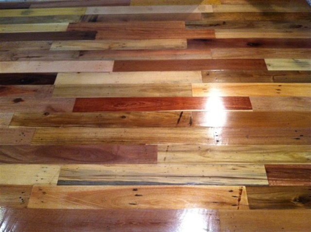 pallet wood floor how to use wood pallets to create a floor u003cu003c HRINHXR