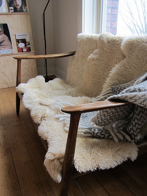 sheepskin rug ideas awesome couch idea. entertaining only-- doesnu0027t look very comfy. sheepskin  rugwooden ... ROHQUUP