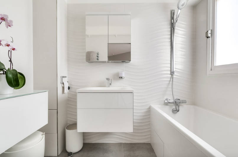 Choose the best small bathroom design for the makeover of the entire area