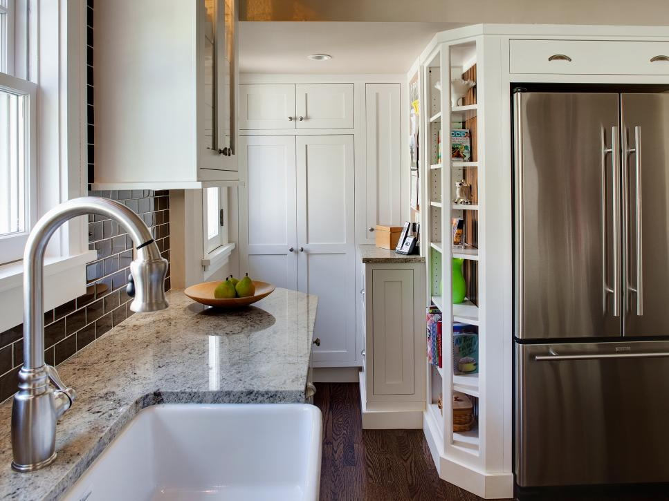 Small Kitchen Design – How to Decorate It