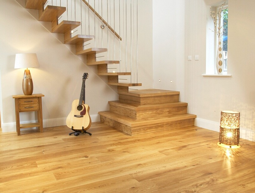 solid oak flooring character oak flooring in hall ... RTTLMHK