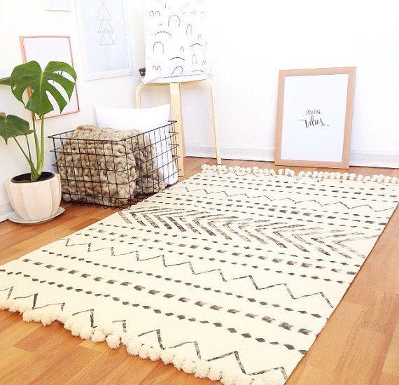 tribe scandinavian rug,area rug,carpet,floor rugs,modern rugs,white area rug,minimalist  rug,moroccan rug,black and white KDBZTPL