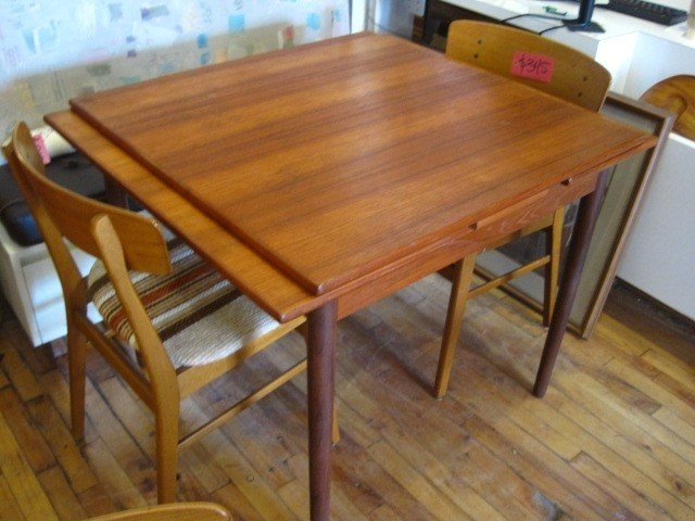 Antique Dining Room Table with Pull out Leaves