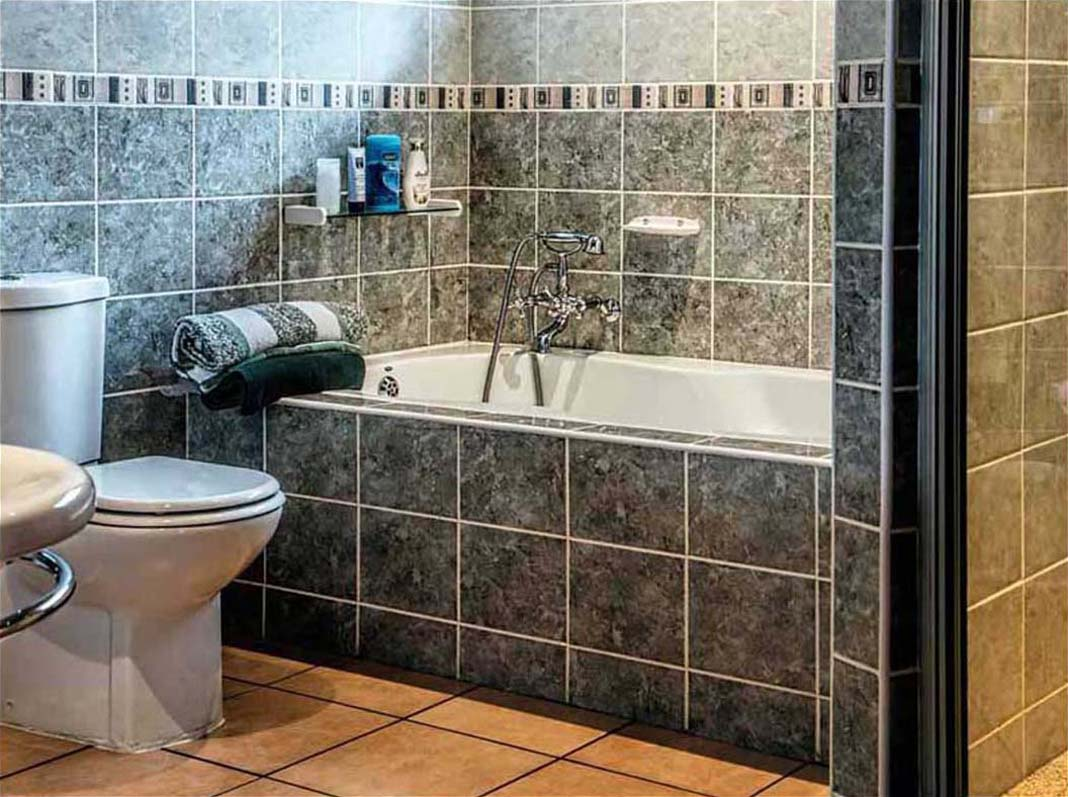 bathroom floor tile ideas for small bathrooms DQQZSXK