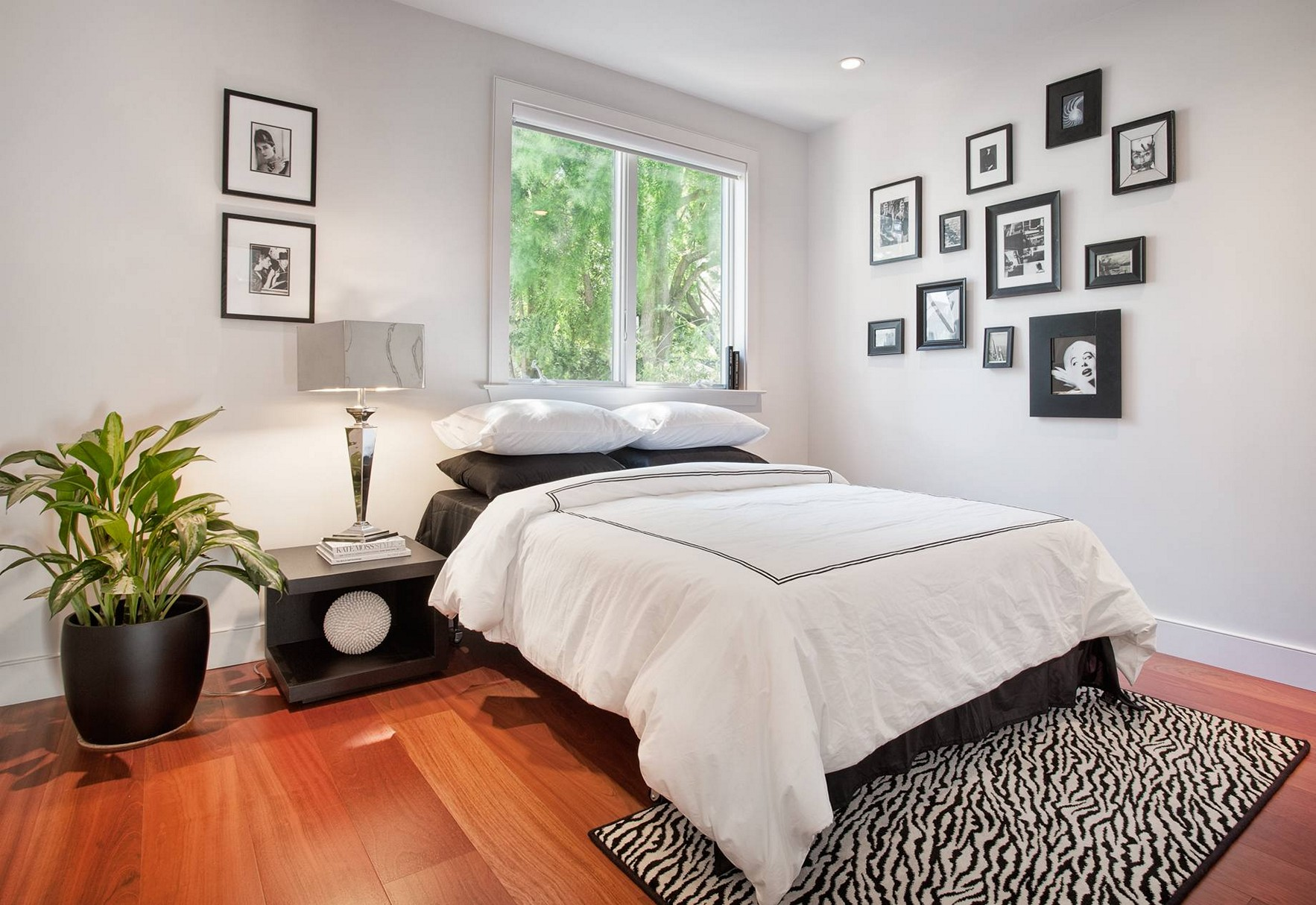 black and white bedroom ideas for small rooms ONSKGFU