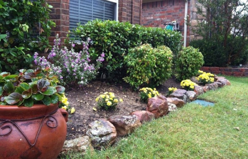 front yard landscaping ideas with rocks front-yard-landscaping-with-rock-garden-using-flower LNFBOKF