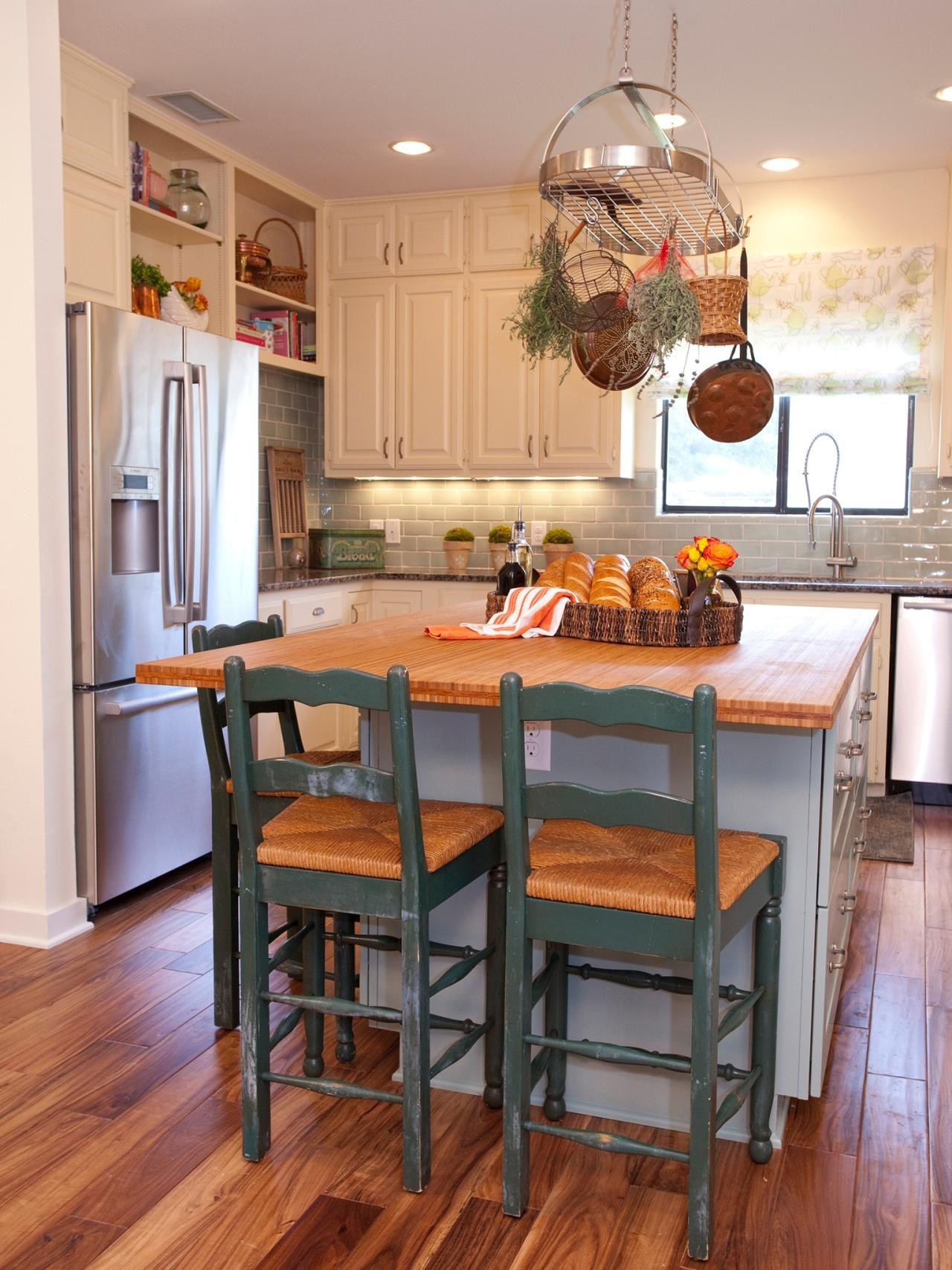 kitchen island ideas for small kitchens enchanting small kitchens with islands kitchen island ideas for advice PJTKAHP