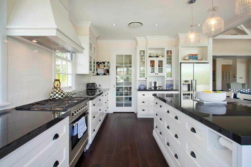 Kitchens With White Cabinets And Dark Floors This Gorgeous Contemporary Kitchen Utilizes Granite Counter Tops