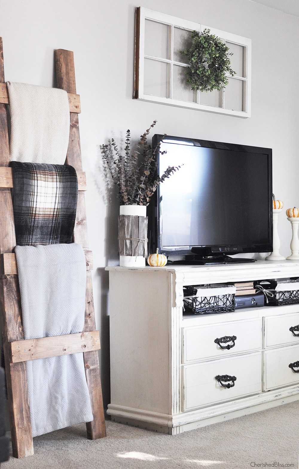 rustic wall decor ideas for living room modern farmhouse tv decor PWTVBVE