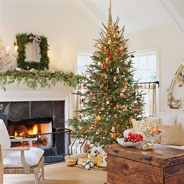 Traditional Christmas Decor in Red and Green u2013 Adorable Home