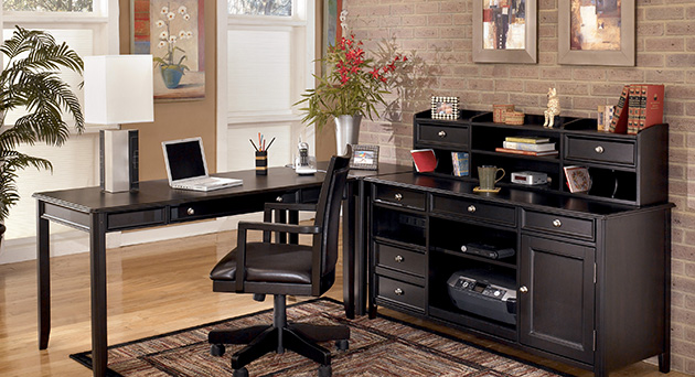 Home Office Arrangement and Decor
