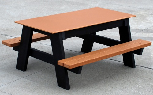 Buy a Durable Kids' Outdoor Table at an Affordable Price | Recycled