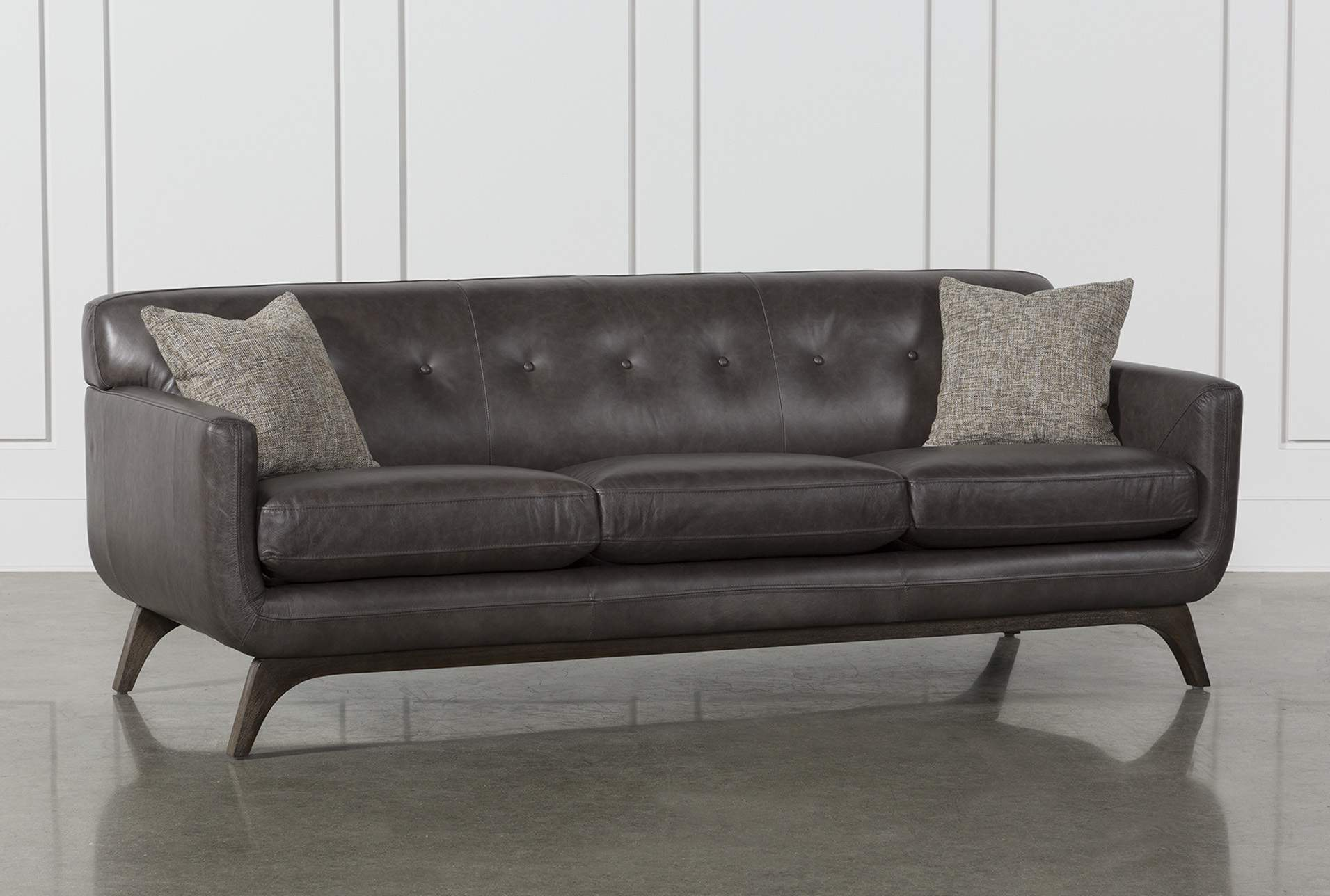 Leather Sofas Remain a Top Choice of   Modern Man