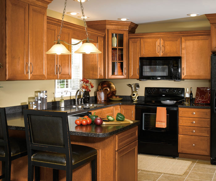 Maple Cabinets in Traditional Kitchen - Aristokraft