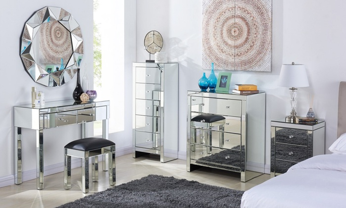 Stunning Mirrored Bedroom Furniture for Elegant Interiors